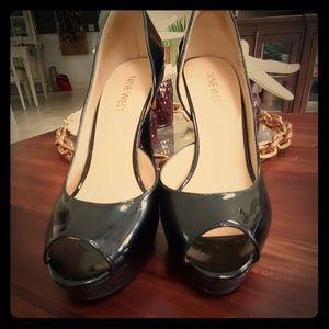 Nine west Black platform osprey heels